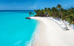 природа, тропики, пальмы, залив, пляж, лежаки