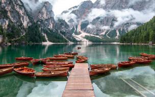 корабли, лодки,  шлюпки, горы, мостки, озеро