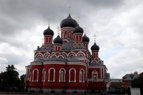 города, - православные церкви,  монастыри, собор