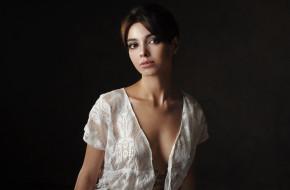 tanya frost, девушки, tania frost, tanya, frost, девушка, модель, брюнетка, красотка, красавица, стройная, сексуальная, фигура, поза, взгляд