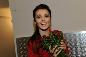 музыка, сати казанова, певица, рубашка, цветы, розы, букет