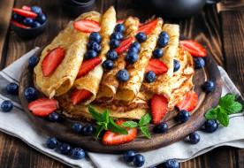 еда, блины,  оладьи, блинчики, ягоды, клубника, черника