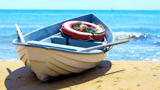море, песок, шлюпка, весла