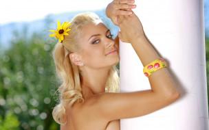 Sabrina Dee обои для рабочего стола 2560x1600 sabrina dee, девушки, sabrina, dee, девушка, модель, блондинка, красотка, красавица, сексуальная, взгляд, макияж, поза