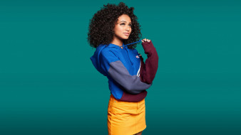 Curly Daniela обои для рабочего стола 2370x1334 curly daniela, девушки, curly, daniela, девушка, модель, брюнетка, мулатка, чернокожая, темнокожая, красотка, кудри, поза, взгляд, макияж, флирт