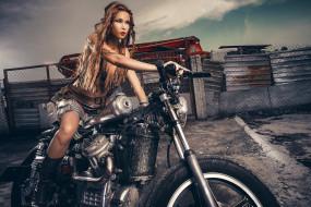 Девушка, мотоцикл, bike, модель, шатенка, красотка, поза, взгляд, макияж