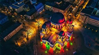 обои для рабочего стола 2560x1440 города, каунас , литва, вид, сверху, город, здания, сделанное, человеком, ночь, подсветка