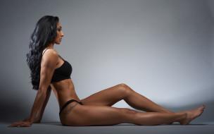 спорт, фитнес, девушка, фигура, точёная, татуировка, стройная, сексуальная, красавица, поза, модель, брюнетка, красотка, взгляд, макияж