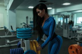 спорт, фитнес, девушка, модель, сексуальная, брюнетка, подтянутая, тренировка, красотка, поза, мышцы, стройная