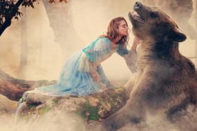 фэнтези, фотоарт, девушка, медведь, животное, лес, дремучий, деревья, сказка, платье