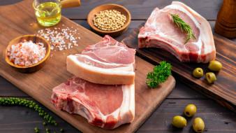 обои для рабочего стола 2560x1440 еда, мясные блюда, свинина, мясо, оливки