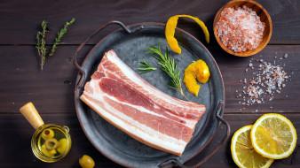 обои для рабочего стола 2560x1440 еда, мясные блюда, свинина, мясо, лимон, соль, розмарин