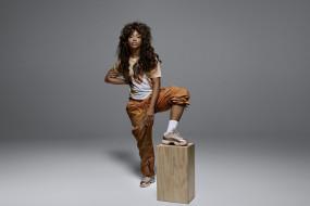 SZA Jordan обои для рабочего стола 1920x1283 sza jordan, музыка, -другое, sza, jordan, девушка, певица, мулатка, темнокожая, чернокожая, эстрада, песни, танцы, звезда, поза, макияж, причёска, прикид, одежда, мода, фон, серый, секси