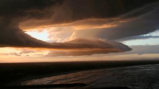 прибрежье, море, берег, вода, облака, ненастье, тучи, тёмное, небо