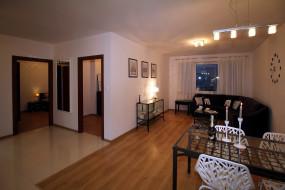 интерьер, гостиная, стол, свечи, шампанское