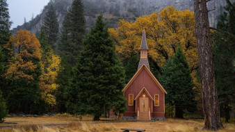 города, - католические соборы,  костелы,  аббатства, горы, костел, деревья, осень