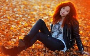 девушки, - рыжеволосые и разноцветные, девушка, огненная, осень, солнце, лучи, причёска, листва, свечение, светится, модель, рыжеволосая, красотка, красавица, флирт, стройная, фигура, сексуальная, секси, поза, взгляд, макияж