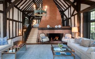 интерьер, гостиная, диван, кресла, подушки, камин