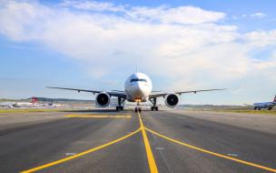 боинг 737-300, турецкие авиалинии, turkish airlines, пассажирский авиалайнер, самолет, взлетно-посадочная полоса