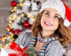 девушки, - снегурочки, шатенка, колпак, улыбка, шарф, подарок