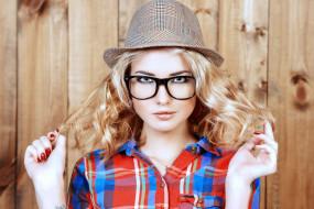 блондинка, локоны, шляпа, очки