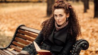 парк, осень, скамейка, шатенка, локоны, книга, Елена Северьянова