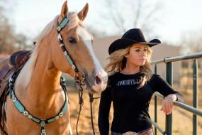 майка, шляпа, блондинка, лошадь