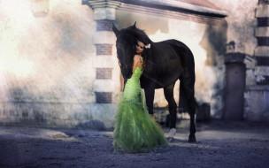 брюнетка, нарядное, платье, лошадь