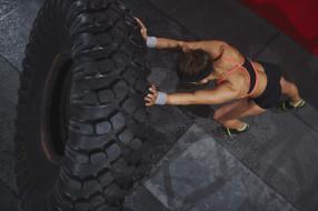 спорт, body building, женский, кроссфит, колесо, тренировка
