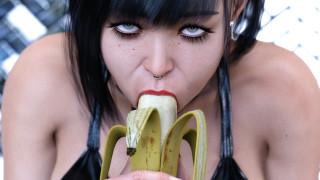 3д графика, люди , people, девушка, фон, взгляд, пирсинг, банан