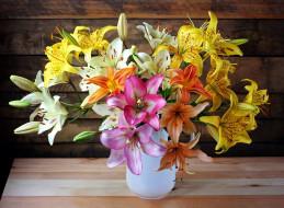 цветы, лилии,  лилейники, ваза, разноцветные, букет