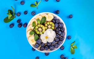 еда, фрукты,  ягоды, банан, киви, черника