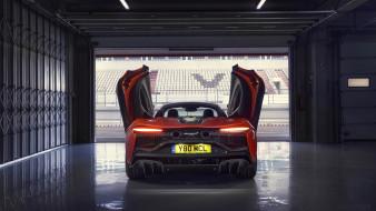 2022 McLaren Artura обои для рабочего стола 2560x1440 2022 mclaren artura, автомобили, mclaren, 2022, artura, вид, сзади, супекар, гараж