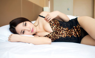 девушки, - азиатки, шатенка, белье, постель