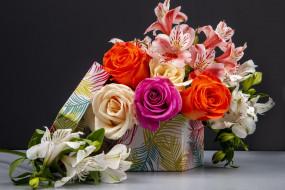 обои для рабочего стола 2560x1707 цветы, букеты,  композиции, коробка, букет, розы, альстромерия