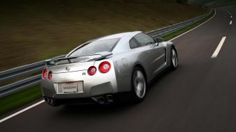 автомобили, nissan, datsun, ниссан, серебристый, скорость, трасса, шоссе, дорога