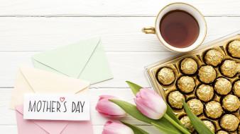 тюльпаны, кофе, конфеты, надпись