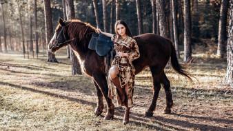 лес, брюнетка, лошадь