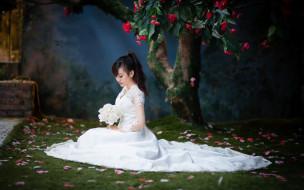 девушки, - азиатки, азиатка, невеста, дерево, камелия, букет, лепестки