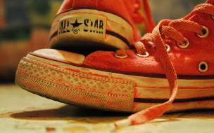 разное, одежда,  обувь,  текстиль,  экипировка, кеды, красные