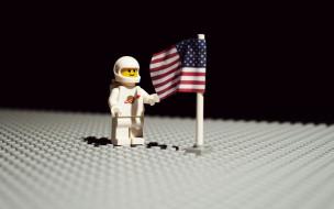 разное, игрушки, лего, поле, флаг, астронавт