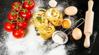 еда, макароны,  макаронные блюда, яйца, мука, помидоры