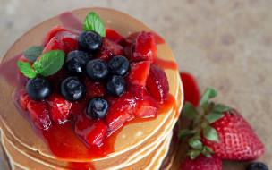 еда, блины,  оладьи, оладьи, мята, ягоды