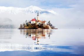 обои для рабочего стола 2048x1365 города, блед , словения, озеро, туман