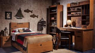 кровать, письменный, стол