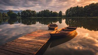 озеро, лодки, мостки