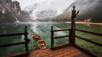 горы, лодки, озеро, отражение, костел, туман
