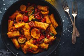 еда, макароны,  макаронные блюда, паста, овощи