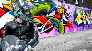 шлем, мотоцикл, дорога, стена, граффити