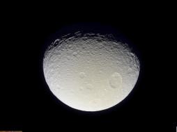Спутник Сатурна Тефия обои для рабочего стола 1280x960 спутник, сатурна, тефия, космос, спутники